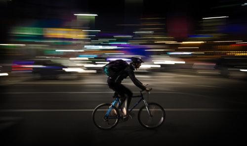 Cyklist? Sådan sikrer du dig bedst mod trafikulykker