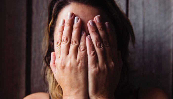 Erstatning efter vold? Få rådgivning af en advokat